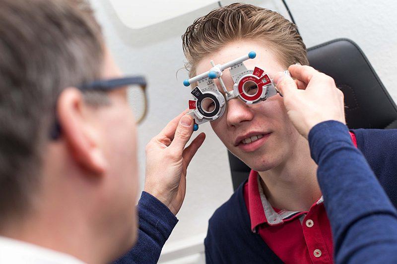 Augenglasbestimmung bei Optik Schuhkraft in Dortmund